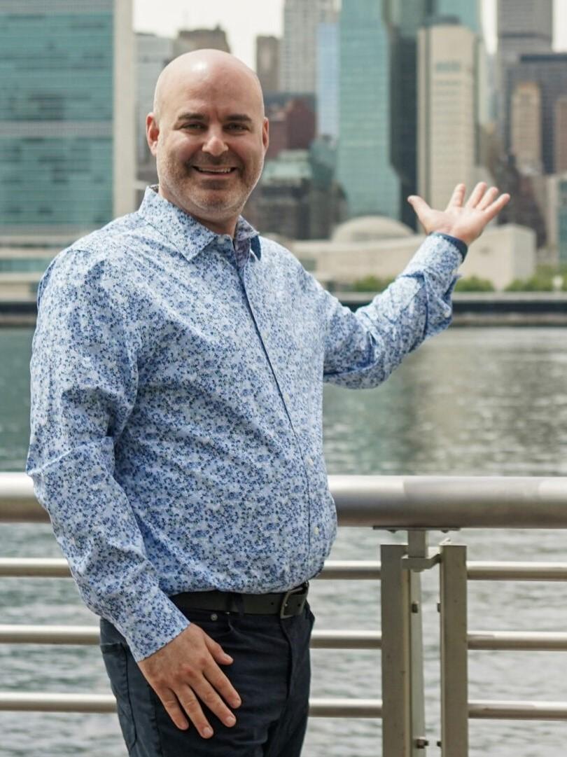 Jay Mandel Looking at NYC